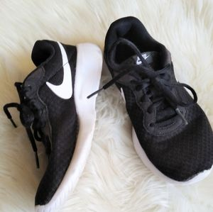NIKE ◾ Tennis Shoes
